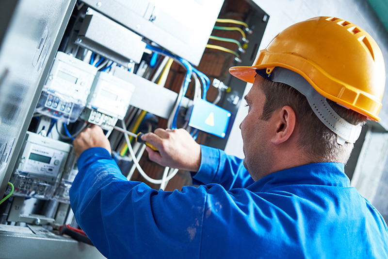 Become An Electrician in Manchester Greater Manchester