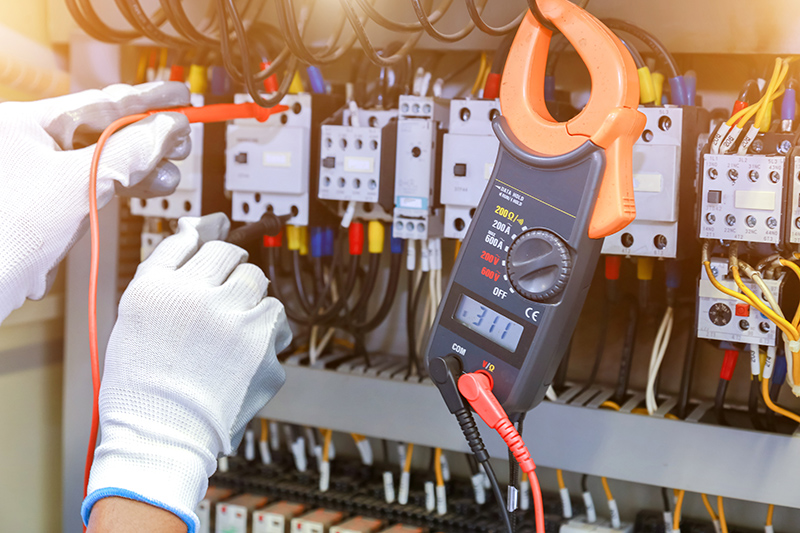 How To Become An Electrician in Manchester Greater Manchester